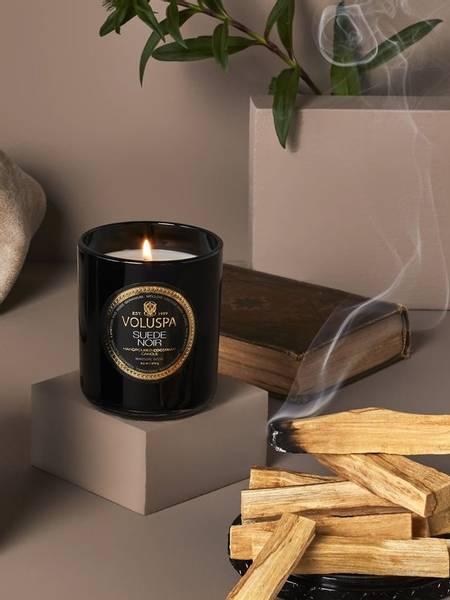 Bilde av Voluspa Boxed Candle Suede