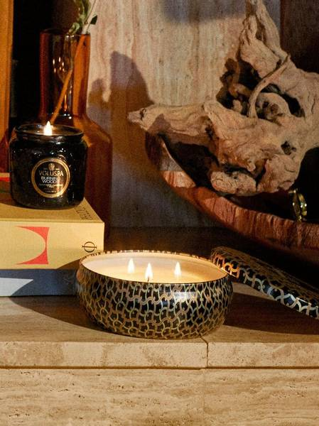 Bilde av Voluspa 3-wick Candle Burning